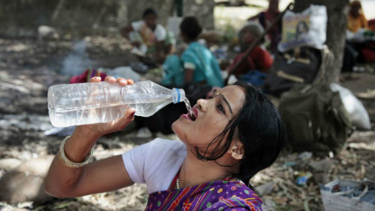 عدد ضحايا الطقس الحار في الهند يزيد عن 300