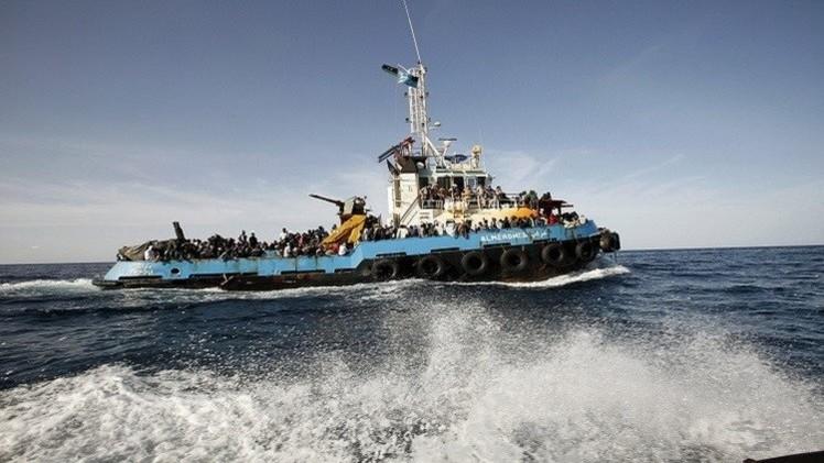 خفر السواحل الإيطالي ينقذ 70 مهاجرا أفغانيا وعراقيا