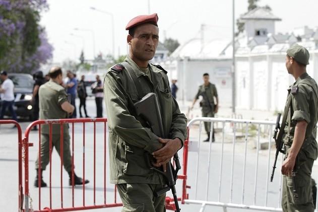 ارتفاع عدد قتلى إطلاق النار في ثكنة عسكرية بتونس إلى 7