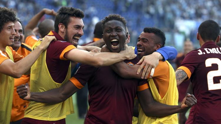 روما ينتزع بطاقة التأهل المباشرة إلى دوري الأبطال