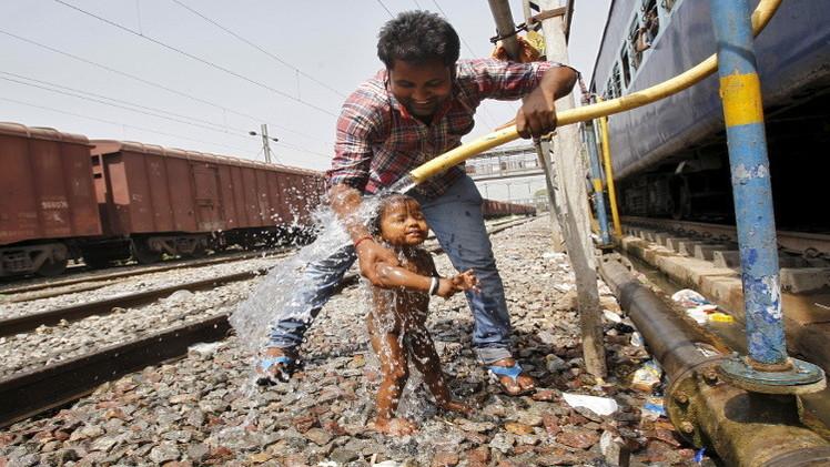 عدد ضحايا موجة الحر في الهند يتجاوز الـ800