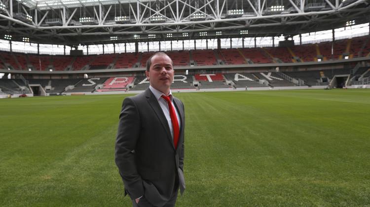 سبارتاك موسكو يقيل مديره العام