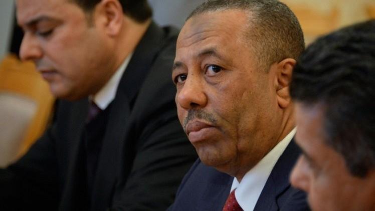 ليبيا.. تعليق جلسة البرلمان بعد إحراق سيارة خارجه