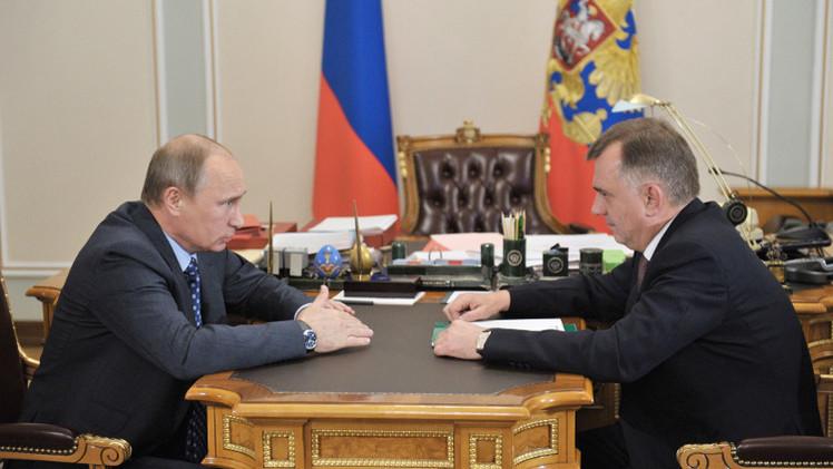 بوتين يهنئ حرس الحدود الروس بعيدهم