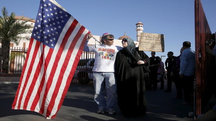 احتجاجات معادية للإسلام في فينيكس الأمريكية (فيديو)