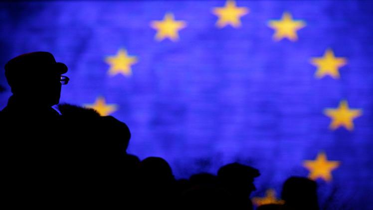 الاتحاد الأوروبي يتسلم قائمة بأسماء مسؤوليه الممنوعين من دخول روسيا