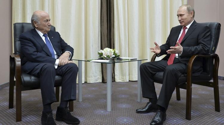 بوتين يهنئ بلاتر بإعادة انتخابه رئيسا للفيفا