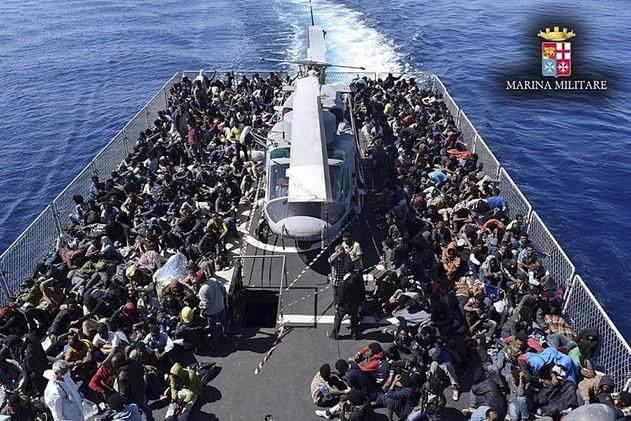 خفر السواحل الإيطالي ينقذ أكثر من 4200 مهاجر في 24 ساعة