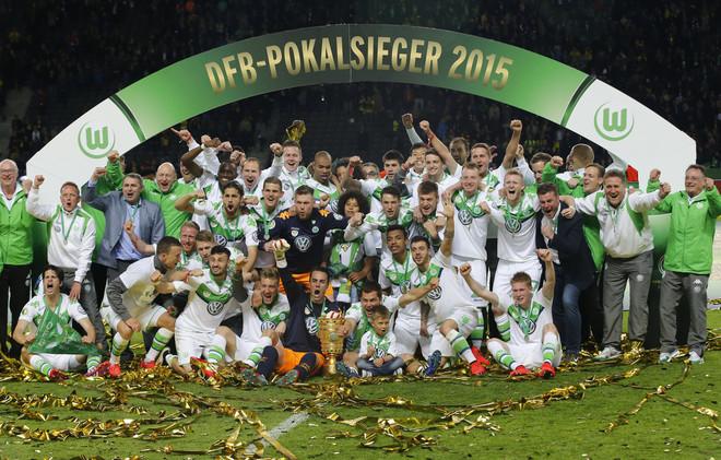 فولفسبورغ ينتزع كأس ألمانيا من بوروسيا دورتموند .. (صور)