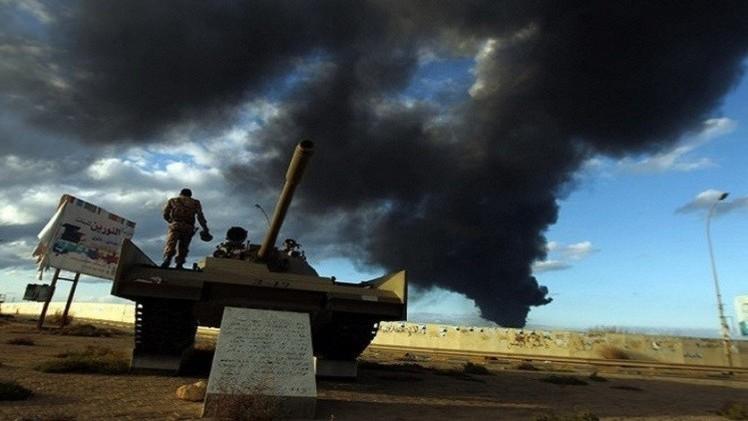 الحكومة الليبية تطالب بمساعدة عسكرية لمواجهة