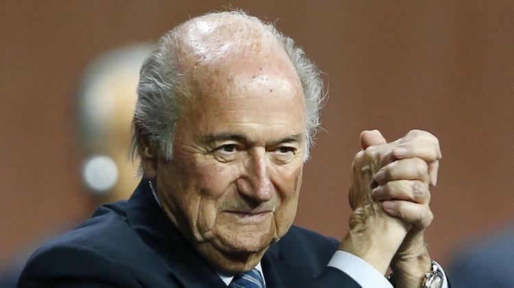 بريطانيا تدعو أوروبا لمقاطعة بطولات كأس العالم من أجل الإطاحة ببلاتر