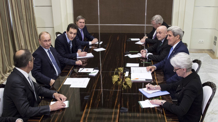 كيري يعلن الاتفاق مع موسكو والناتو يواصل سياساته المعادية لها!