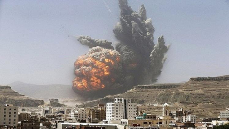 اللجان الشعبية: غارات التحالف في عدن أسفرت عن مقتل 18 حوثيا