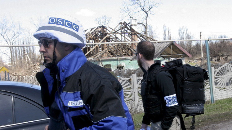 مراقبون دوليون يسجلون تحرك أسلحة ثقيلة على خط التماس مع دونيتسك