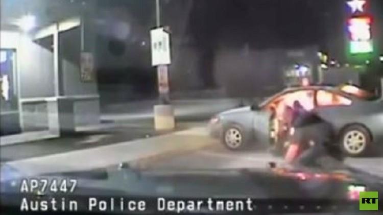 كاميرا في سيارة للشرطة تضبط محاولة انتحار في محطة بنزين (فيديو)