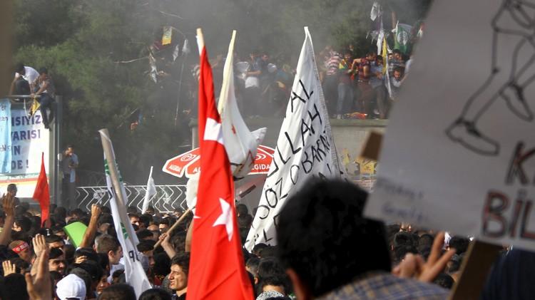 تركيا.. يوم دام في ديار بكر عشية بدء التصويت في الانتخابات