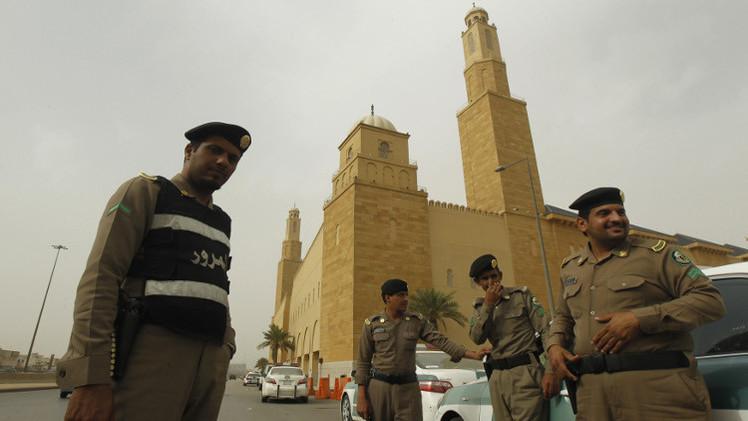 السعودية.. القبض على 45 مشتبها بهم في أعمال إرهابية