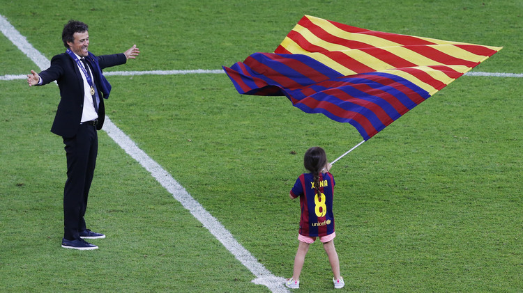 لويس إنريكي سيستمر مع برشلونة حتى 2017