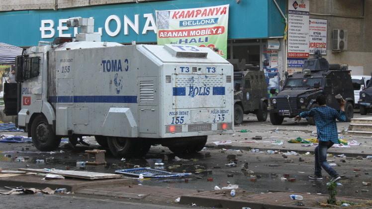 تركيا.. 3 قتلى في اشتباكات بين فصائل كردية