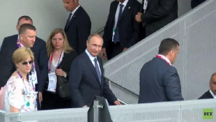 فيديو.. الرئيس الروسي يزور معرض ميلانو