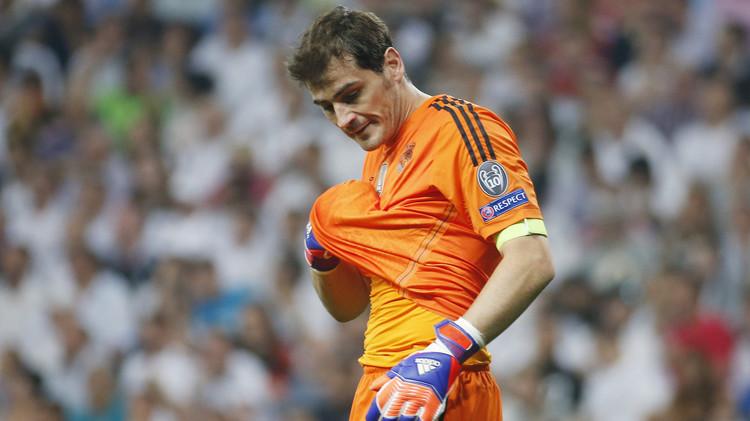 كاسياس قد يغادر ريال مدريد لتجنب الاصطدام بدي خيا