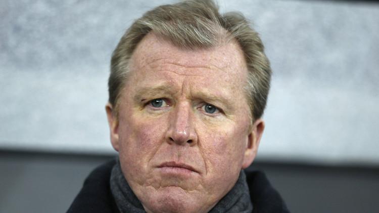 نيوكاسل يعين مدرب إنكلترا السابق مكلارين لقيادة الفريق
