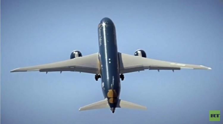 طائرة الأحلام من بوينغ (فيديو)