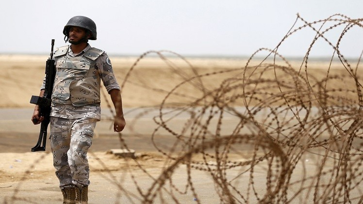 مقتل سعودي وإصابة آخر في قصف عبر الحدود