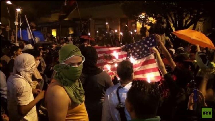 احتجاجات وحرق للعلم الأمريكي في العاصمة الهندوراسية