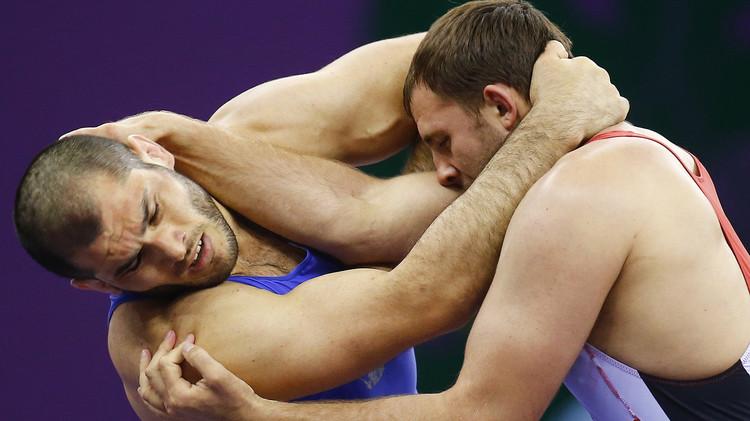 الروسي إسلام محمدييف ينال ذهبية المصارعة في دورة الألعاب الأوروبية