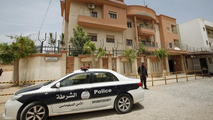 أنباء عن اختطاف 8 تونسيين على يد مجهولين في طرابلس
