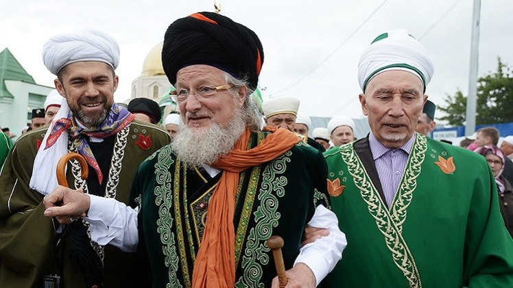 قادة مسلمي روسيا يتبنون