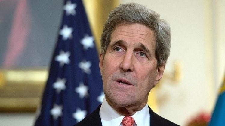 كيري لا يستبعد استمرار المفاوضات النووية بعد السقف الزمني