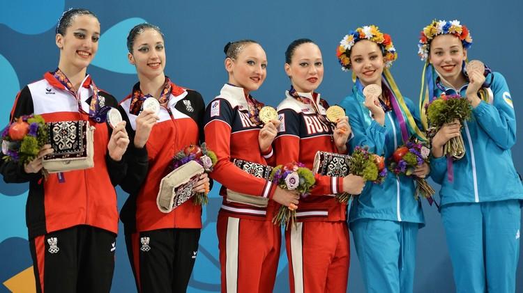 روسيا تحصد ذهبية السباحة التزامنية لزوجي السيدات .. (فيديو)