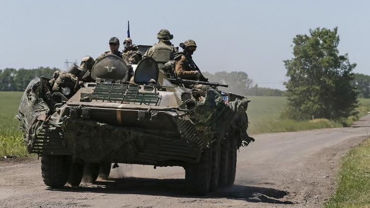 إصابة 10 أشخاص بقصف أوكراني ودونيتسك تتهم كييف بخرق الهدنة 191مرة