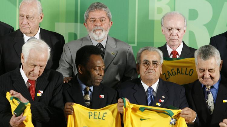 وفاة البرازيلي زيتو بطل العالم مرتين عن 82 عاما