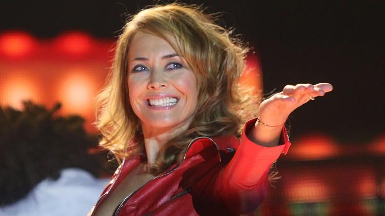 وفاة أكثر المغنيات الروسيات أناقة (فيديو)