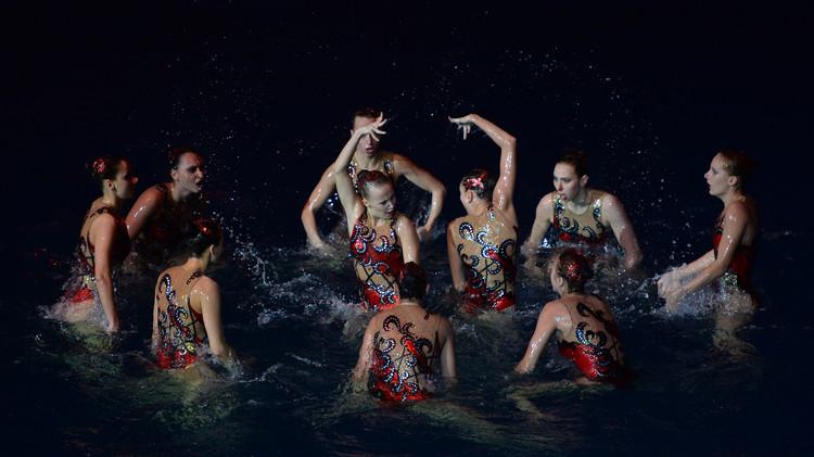 روسيا تهيمن على السباحة التزامنية في الألعاب الأوروبية .. (فيديو)