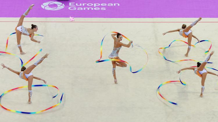 روسيا تفوز بذهبية الجمباز الفني لفرق السيدات .. (صور)