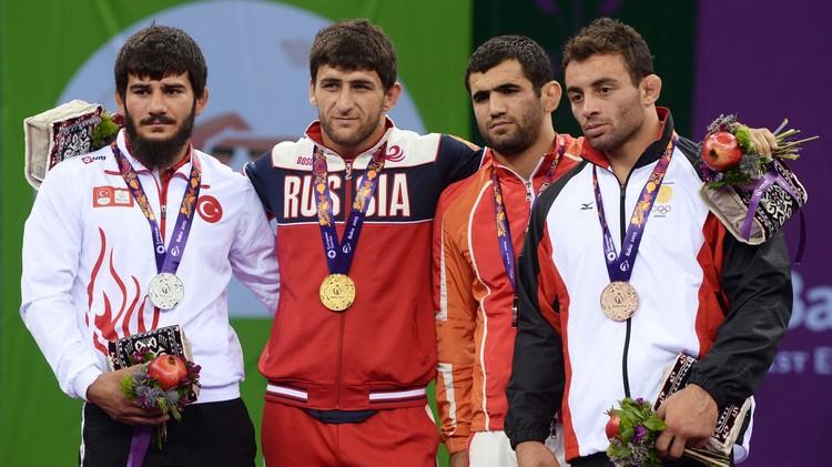 الروسي غيدويف بطلا للمصارعة في الألعاب الأوروبية