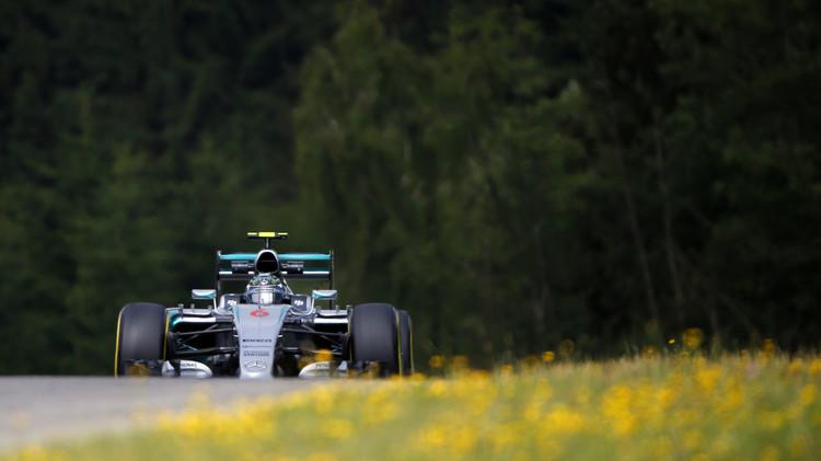 روزبرغ يتصدر التجارب الحرة لجائزة النمسا للفورمولا 1