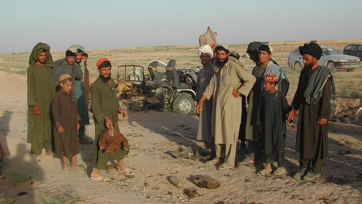 مقتل 14 من أسرة واحدة بانفجار قنبلة في أفغانستان