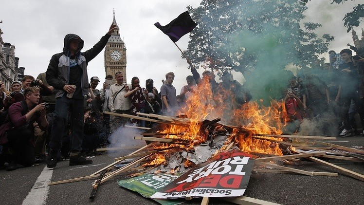 احتجاجات حاشدة في لندن ضد خطط تقشف حكومية (فيديو)