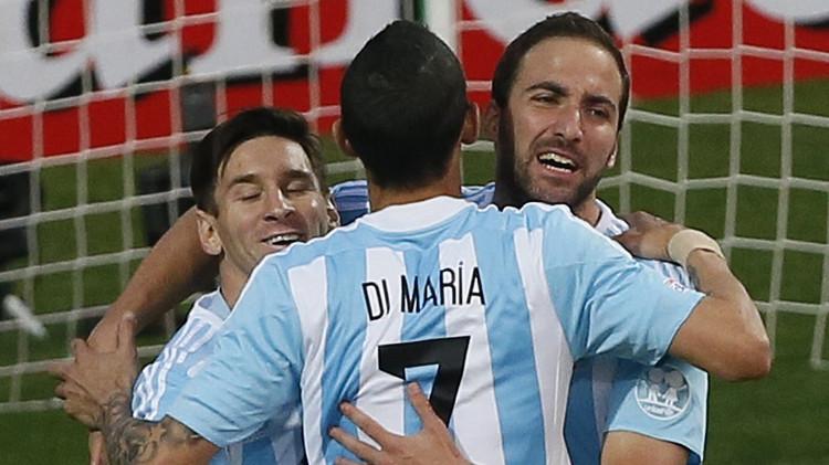 فوز خجول للأرجنتين على جامايكا وميسي يلعب مبارته المئوية (فيديو)