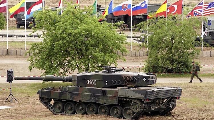 الناتو يناقش سبل نشر آلاف الجنود والآلياتفي أوروبا