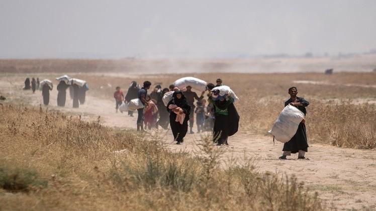 مئات اللاجئين يعودون إلى سوريا بعد فتح تركيا البوابة الحدودية