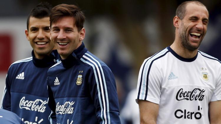 أغويرو يعود لتدريبات الأرجنتين استعدادا لكولومبيا