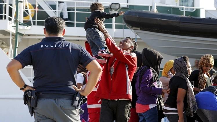 إيطاليا.. إنقاذ أكثر من 3700 مهاجر في البحر المتوسط