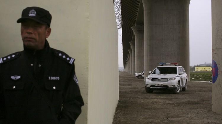 الصين.. مقتل 18 ضابطا في هجوم على نقطة أمنية