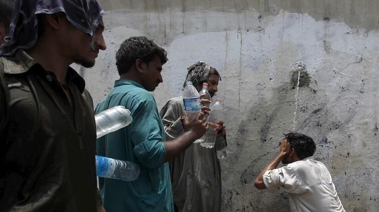 باكستان ..حصيلة ضحايا موجة الحر تقترب من 800 وفاة